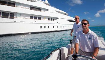 service-yacht-management-crew-oasis-55783543cec95_v_default_medium